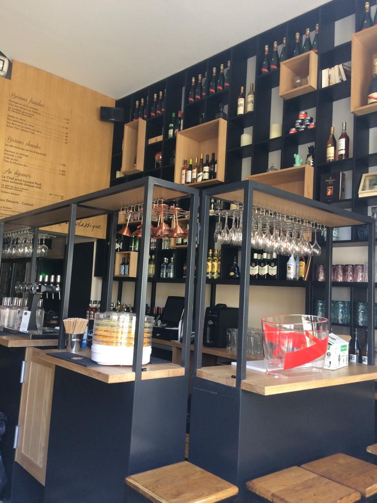 Réalisation agencement d'un bar sur mesure